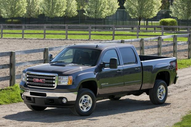 2014 GMC Sierra 2500HD: New Car Review featured image large thumb0