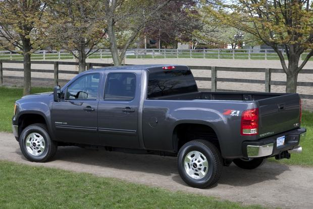 2014 GMC Sierra 2500HD: New Car Review featured image large thumb1