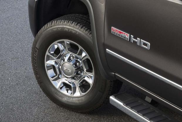2016 GMC Sierra 2500HD: New Car Review featured image large thumb3
