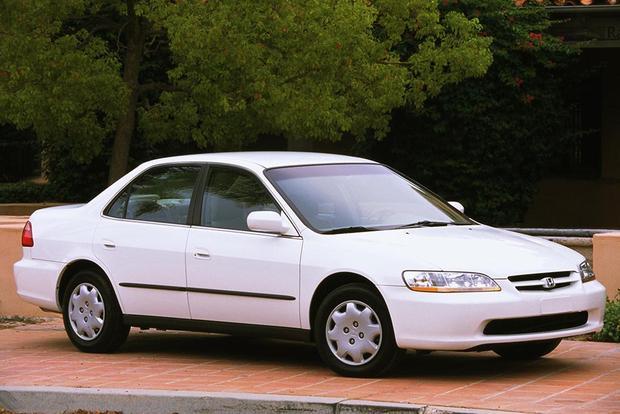 1997-2001 Toyota Camry vs. 1998-2002 Honda Accord: Which ...
