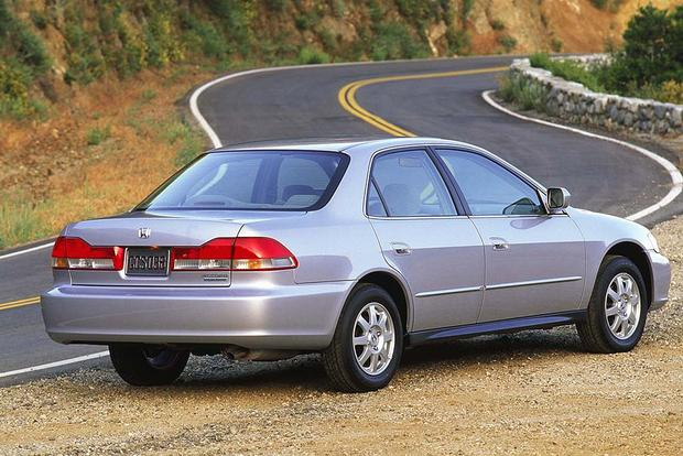 1997 2001 Toyota Camry Vs 1998 2002 Honda Accord Which