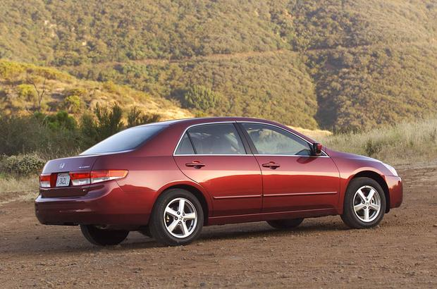 2003-2007 Honda Accord vs. 2002-2006 Toyota Camry: Which Is Better? featured image large thumb3