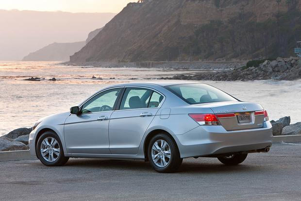 2008 2012 Honda Accord Vs 2007 2011 Toyota Camry Which