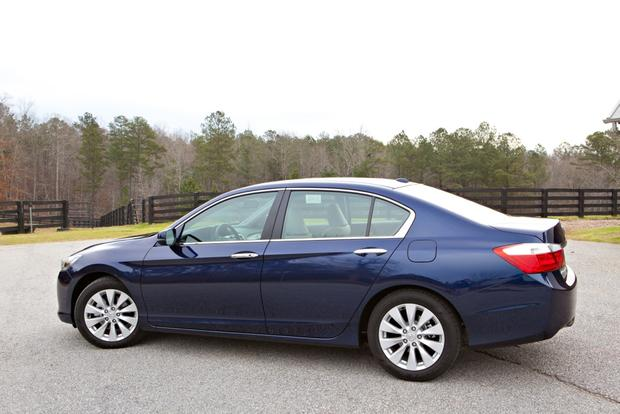 2013 Honda Accord: An Accord For Everyone featured image large thumb2