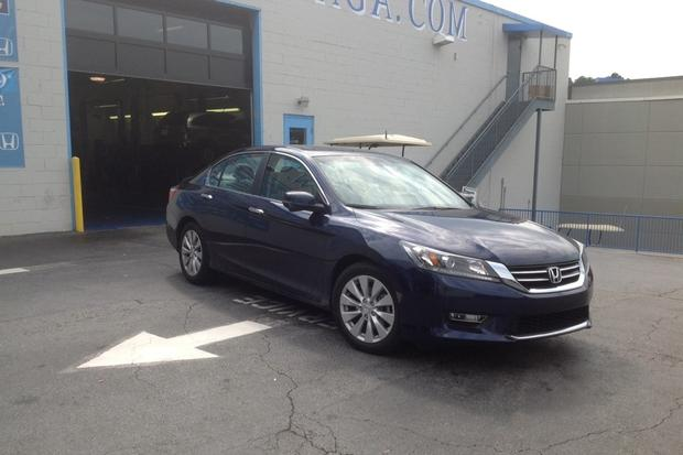 2013 Honda Accord: Scheduled Service featured image large thumb0