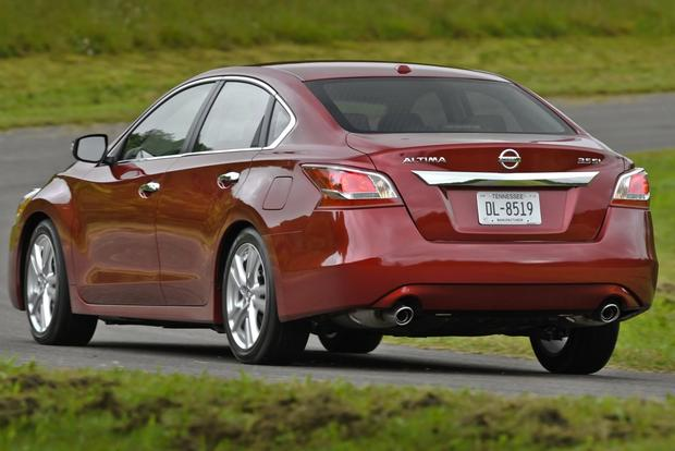 This or That: 2013 Honda Accord Sedan or 2013 Nissan Altima Sedan featured image large thumb4