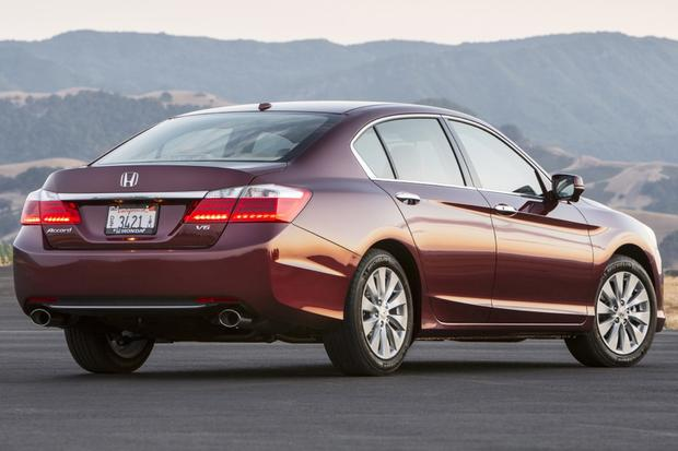 This or That: 2013 Honda Accord Sedan or 2013 Nissan Altima Sedan featured image large thumb5