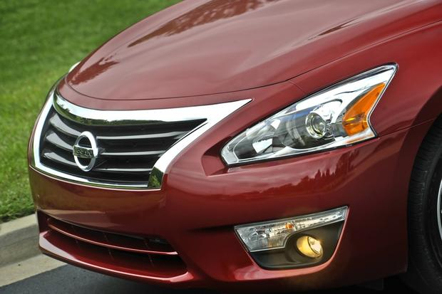 This or That: 2013 Honda Accord Sedan or 2013 Nissan Altima Sedan featured image large thumb6
