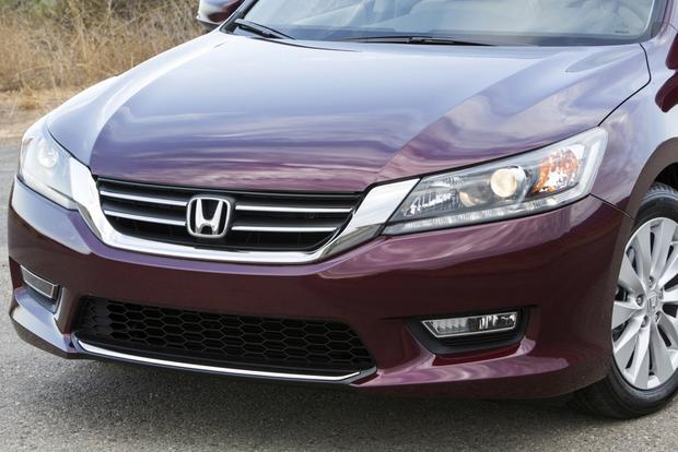 This or That: 2013 Honda Accord Sedan or 2013 Nissan Altima Sedan featured image large thumb7
