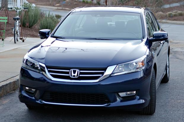 2013 honda accord used car review autotrader for Honda car app