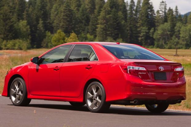 2014 Honda Accord vs. 2014.5 Toyota Camry: Which Is Better? featured image large thumb5