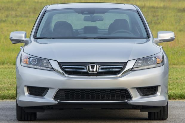 2014 Honda Accord Hybrid vs. 2014 Toyota Camry Hybrid: Which Is Better? featured image large thumb6