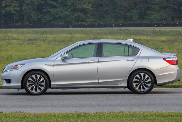 2014 Honda Accord Hybrid vs. 2014 Toyota Camry Hybrid: Which Is Better? featured image large thumb10