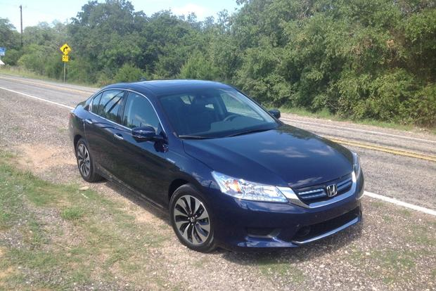 2014 Honda Accord Hybrid: Is This the Best Hybrid? featured image large thumb6
