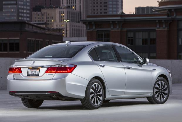 2014 Honda Accord Hybrid & Plug-In Hybrid: New Car Review featured image large thumb3