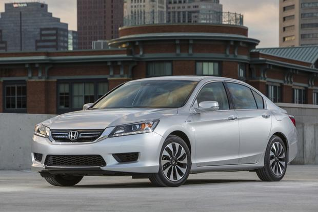 2014 Honda Accord Hybrid & Plug-In Hybrid: New Car Review featured image large thumb2