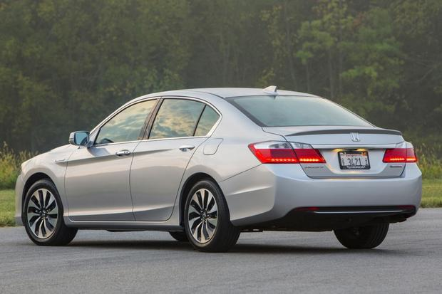 2014 Ford Fusion vs. 2014 Honda Accord: Which Is Better? featured image large thumb8