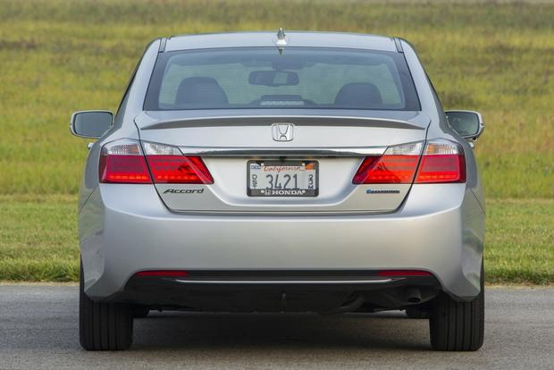 2015 Honda Accord Hybrid & Plug-In Hybrid: New Car Review featured image large thumb0
