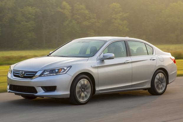 2015 Honda Accord Hybrid & Plug-In Hybrid: New Car Review featured image large thumb1