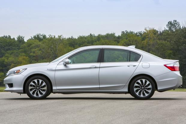 2015 Honda Accord Hybrid & Plug-In Hybrid: New Car Review featured image large thumb2