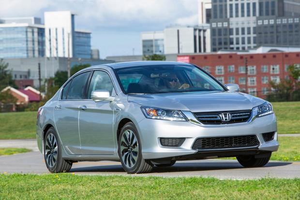 2015 Honda Accord Hybrid & Plug-In Hybrid: New Car Review featured image large thumb3