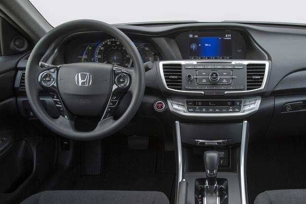 2015 Honda Accord Hybrid & Plug-In Hybrid: New Car Review featured image large thumb5