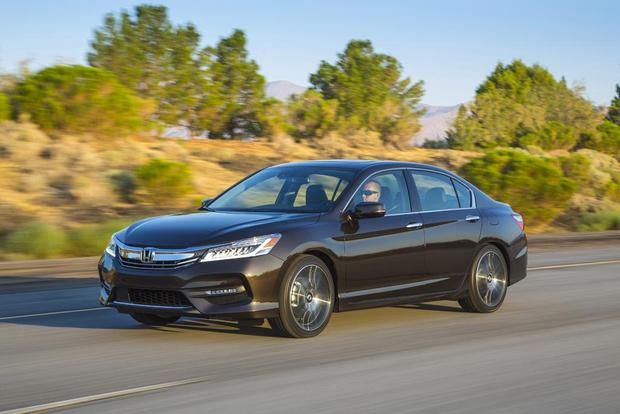 2016 Honda Accord: New Car Review featured image large thumb1