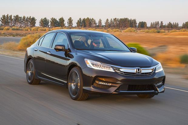 2016 Honda Accord vs. 2016 Subaru Legacy: Which Is Better? featured image large thumb11