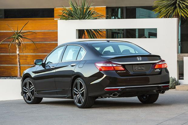 2016 Honda Accord vs. 2016 Subaru Legacy: Which Is Better? featured image large thumb5