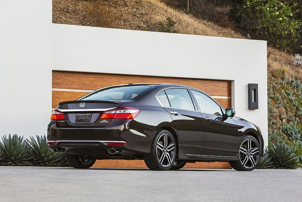 2016 Honda Accord vs. 2016 Subaru Legacy: Which Is Better? featured image large thumb9