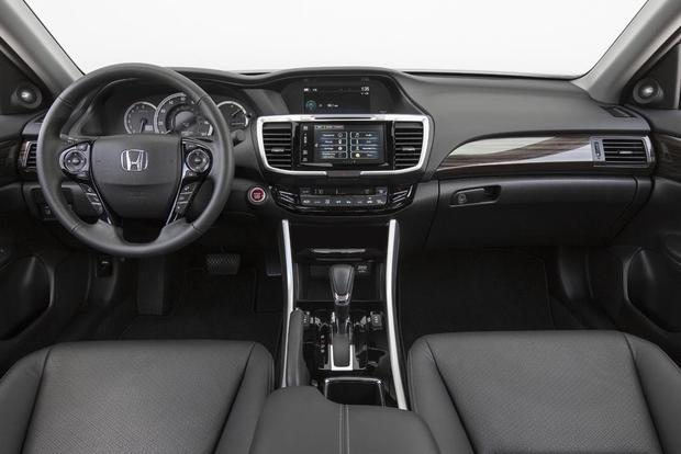 2016 Honda Accord vs. 2016 Volkswagen Passat: Which Is Better? featured image large thumb7