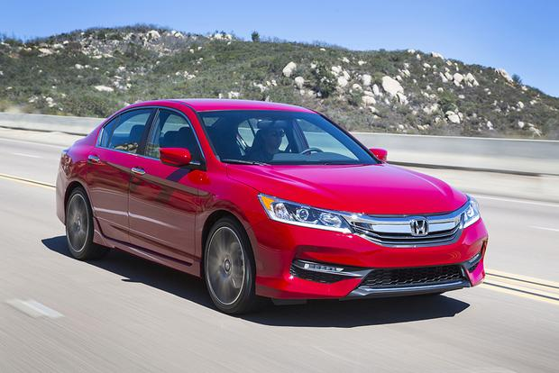 2017 Honda Accord: New Car Review featured image large thumb5