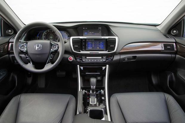 2017 Honda Accord Hybrid: New Car Review featured image large thumb6