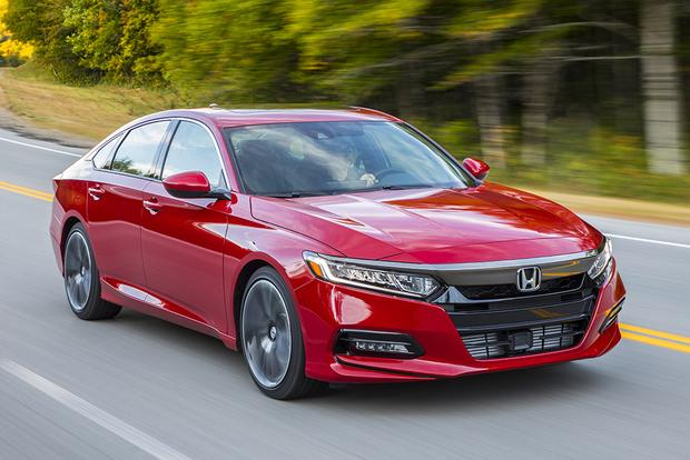 2018 Honda Accord: New Car Review featured image large thumb0