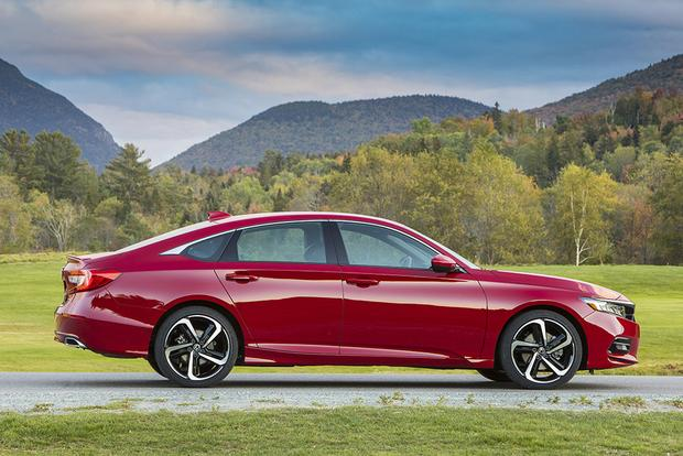 2018 Honda Accord: New Car Review featured image large thumb2