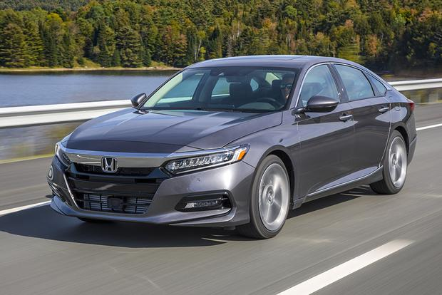 2018 Honda Accord: New Car Review featured image large thumb3