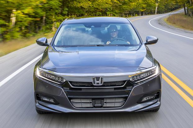 2018 Honda Accord: New Car Review featured image large thumb8