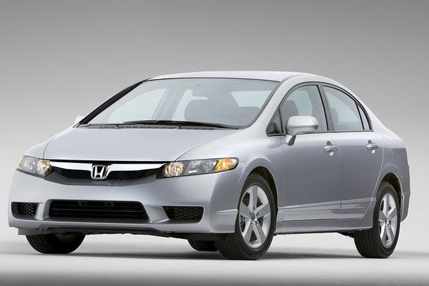 2006-2011 Honda Civic vs. 2004-2009 Mazda3: Which is Better? featured image large thumb3