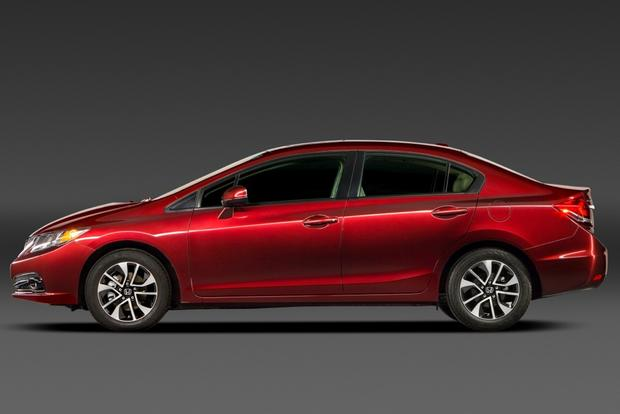 2013 vs. 2014 Honda Civic: What's the Difference? featured image large thumb8
