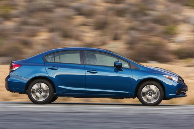 2014 Honda Civic vs. 2014 Hyundai Elantra: Which Is Better? featured image large thumb4
