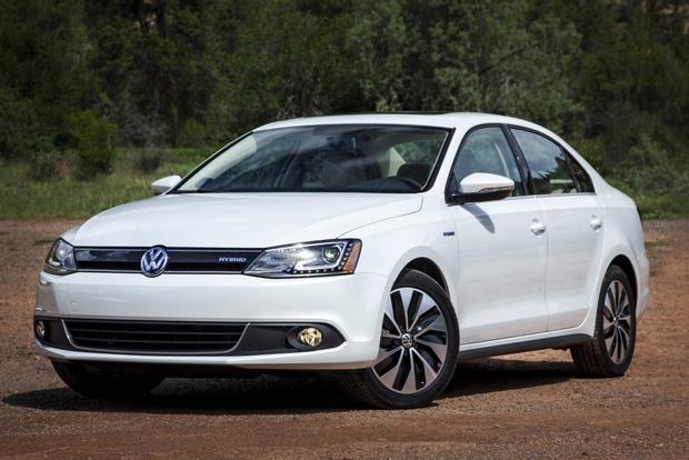 2014 Honda Civic Hybrid vs. 2014 Volkswagen Jetta Hybrid: Which Is Better? featured image large thumb4