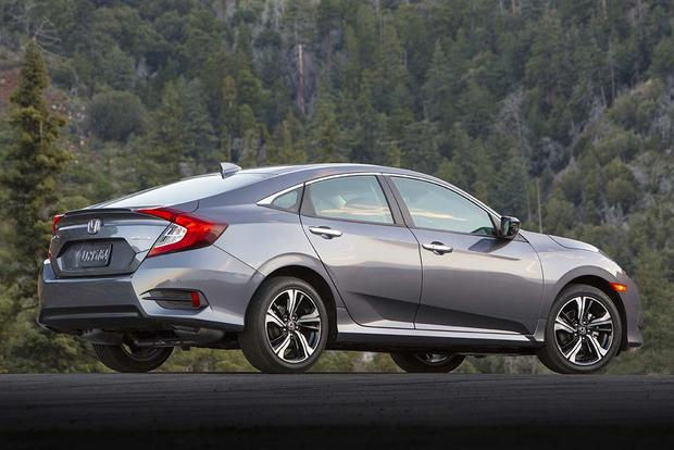 2015 vs. 2016 Honda Civic: What's the Difference? featured image large thumb10