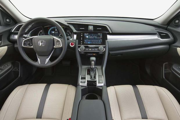 2016 Honda Civic vs. 2016 Honda Accord: What's the Difference? featured image large thumb1