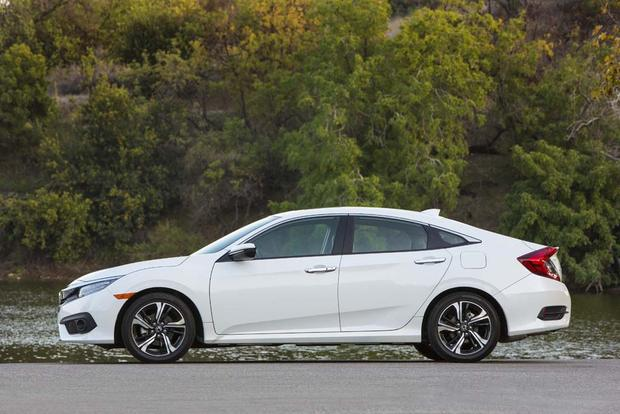 2016 Honda Civic: New Car Review featured image large thumb6