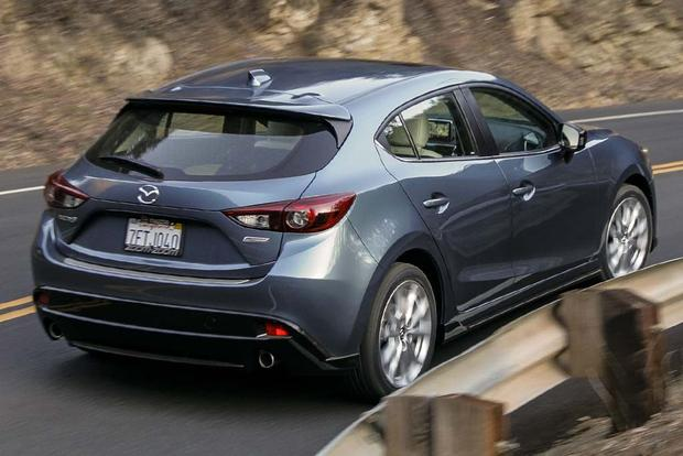 Mazda3 Vs Hyundai Elantra >> 2016 Honda Civic vs. 2016 Mazda3: Which Is Better? - Autotrader