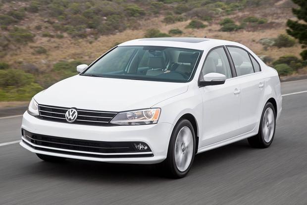 2016 Honda Civic vs. 2016 Volkswagen Jetta: Which Is Better?