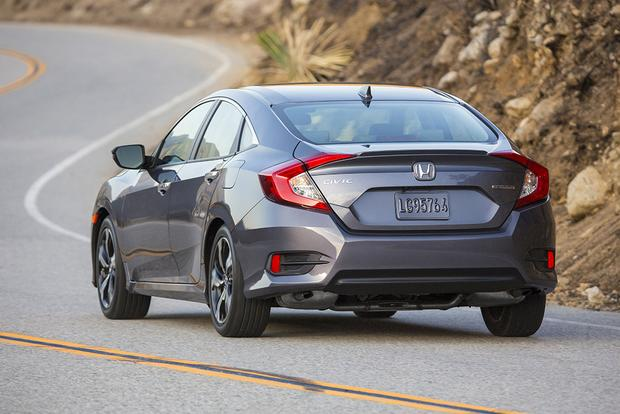 Honda Civic 2016 Vs 2017 >> 2017 Honda Civic Hatchback Vs Civic Sedan What S The