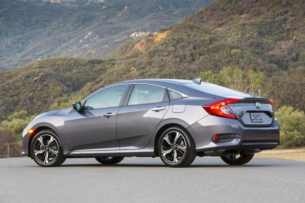 Honda 2018 Model >> 2018 Honda Civic: New Car Review - Autotrader