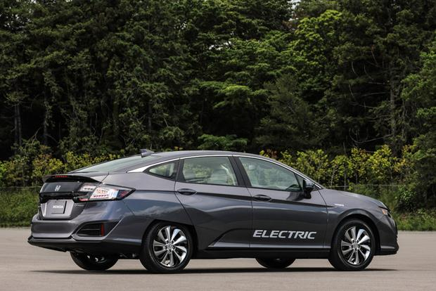 2017 Honda Clarity: One Model, Three Advanced Drivetrains featured image large thumb3