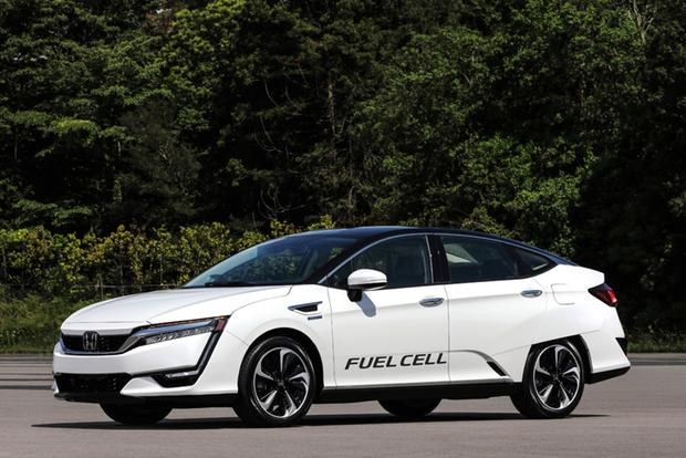 2017 Honda Clarity: One Model, Three Advanced Drivetrains featured image large thumb4